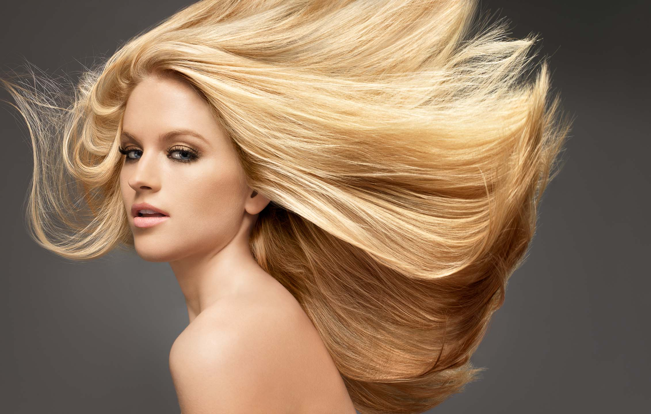 Блондинка с потрясающим телом
